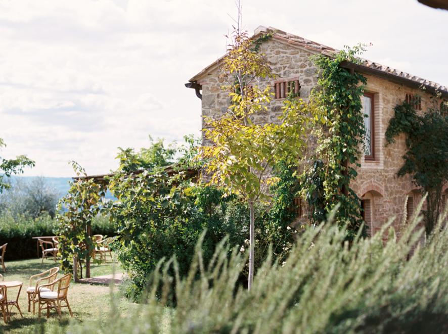romantic wedding venue in tuscany