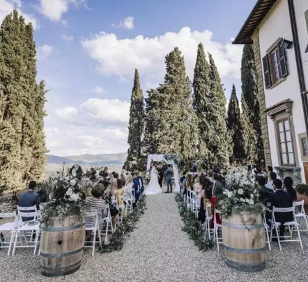 wedding venue in chianti ceremony setting next to the castle