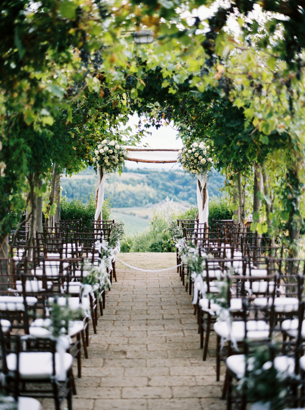 wedding venue in chianti ceremony setting overlooking the landscape