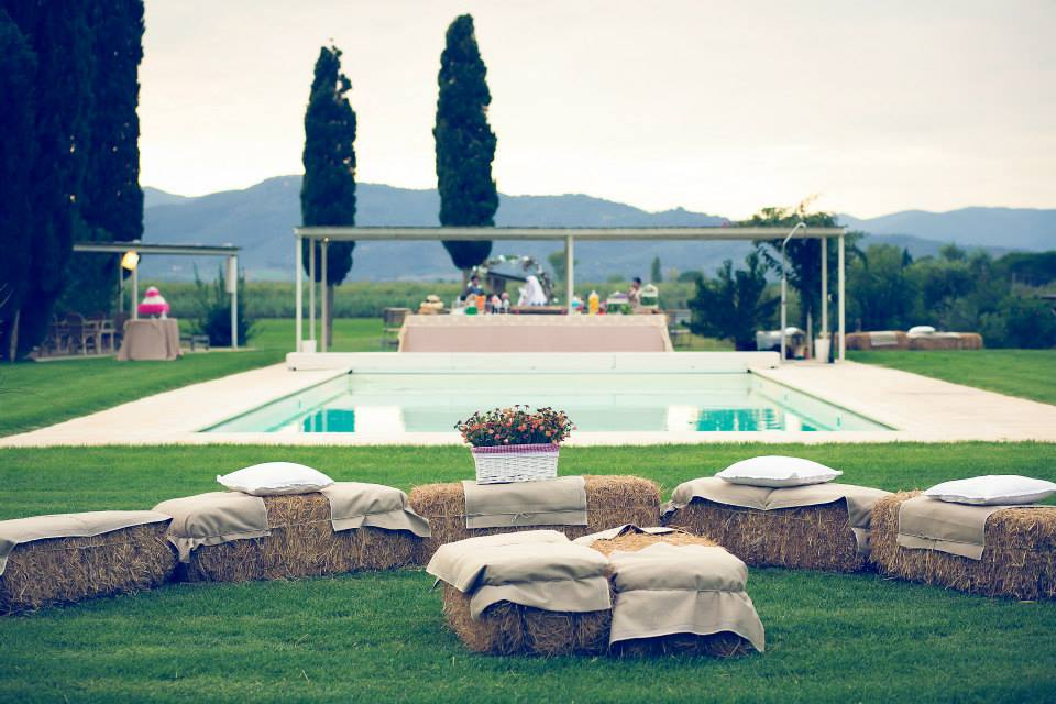 pool area for wedding in maremma