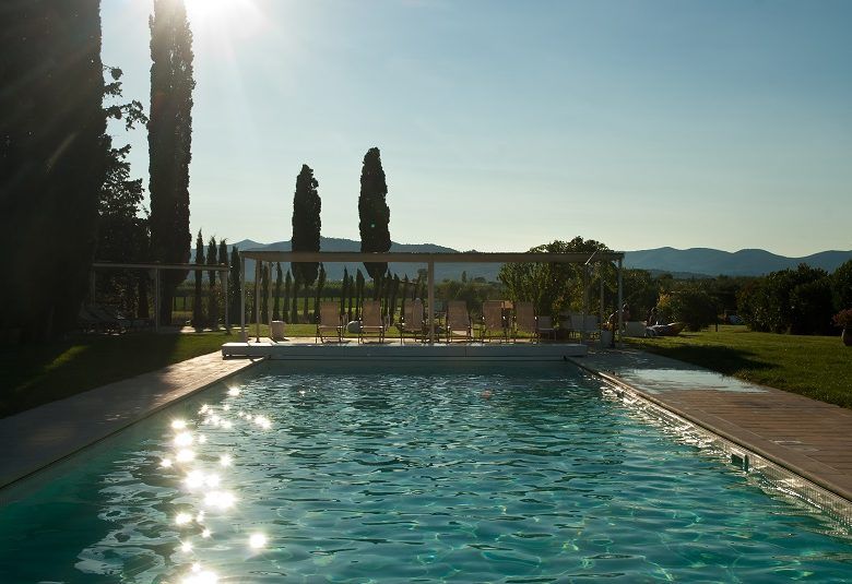 pool for wedding in maremma