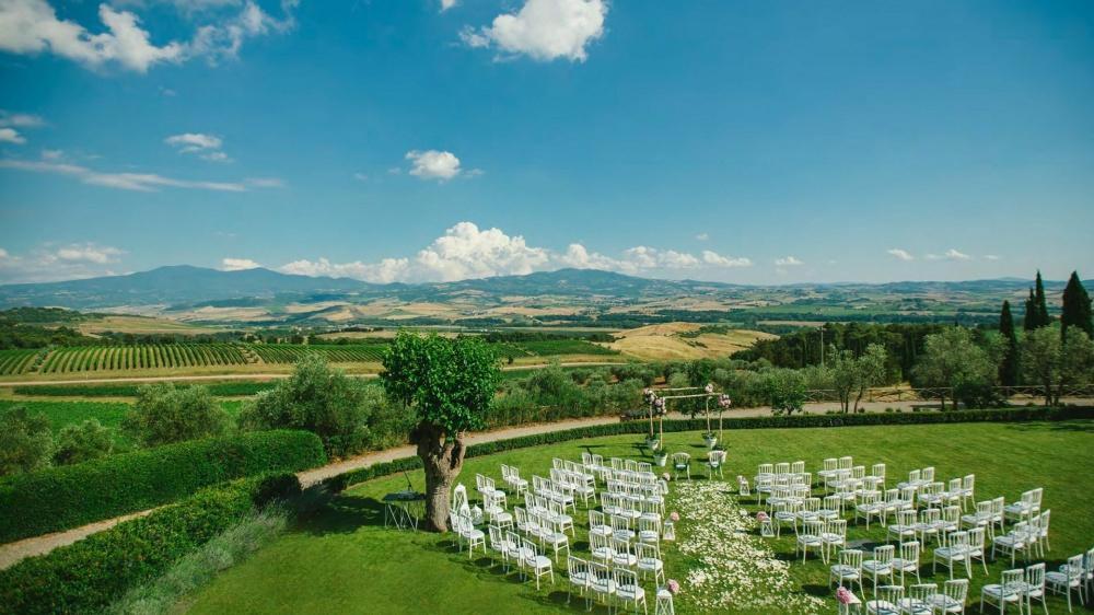 wedding ceremony venue in tuscany