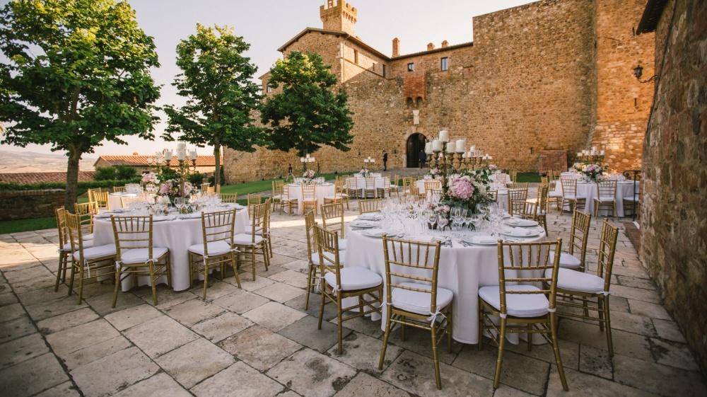 wedding dinner venue in tuscany