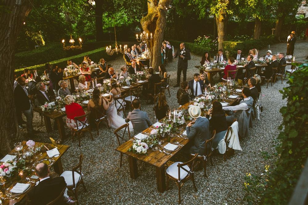 wedding dinner setting in a villa in chianti