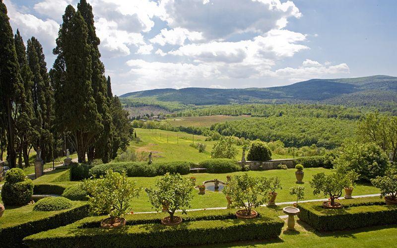 landscape view of a wedding villa in chianti