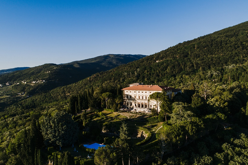 wedding villa with pool in florence