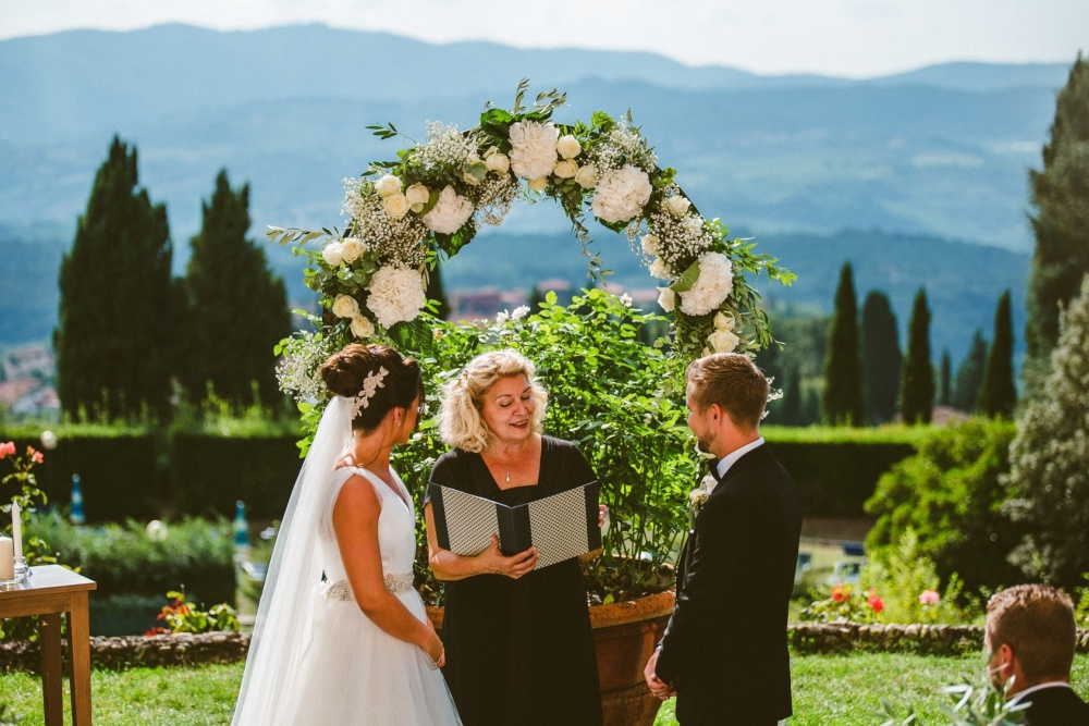 wedding ceremony arch in a villa in florence