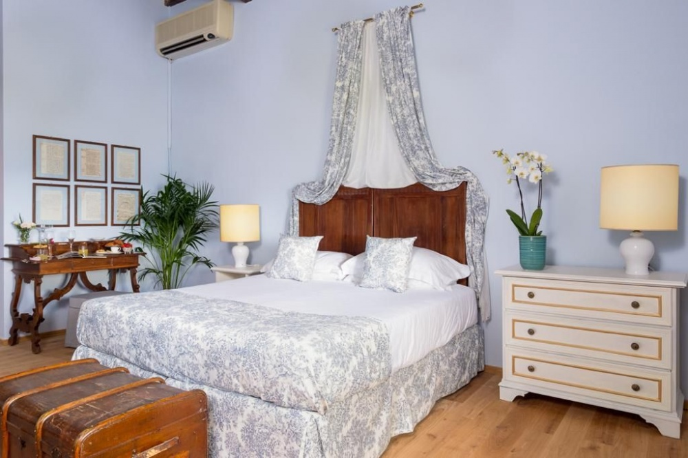 wedding villa with room in florence