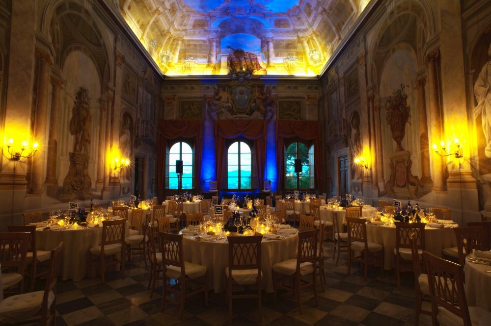 ballroom for wedding receptions in a villa in lucca