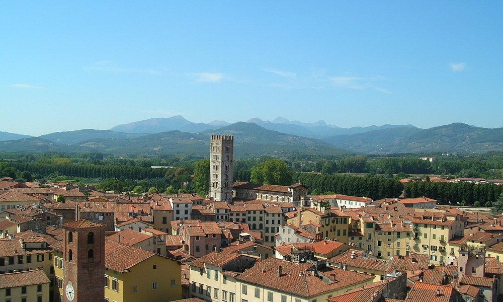 lucca city center for wedding