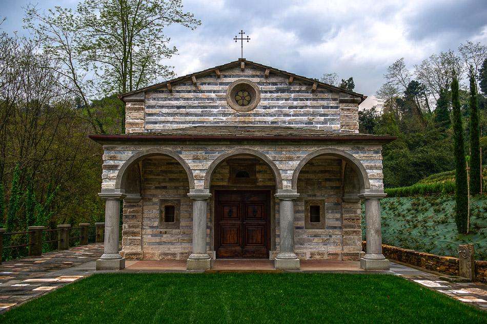 wedding villa with church in pisa