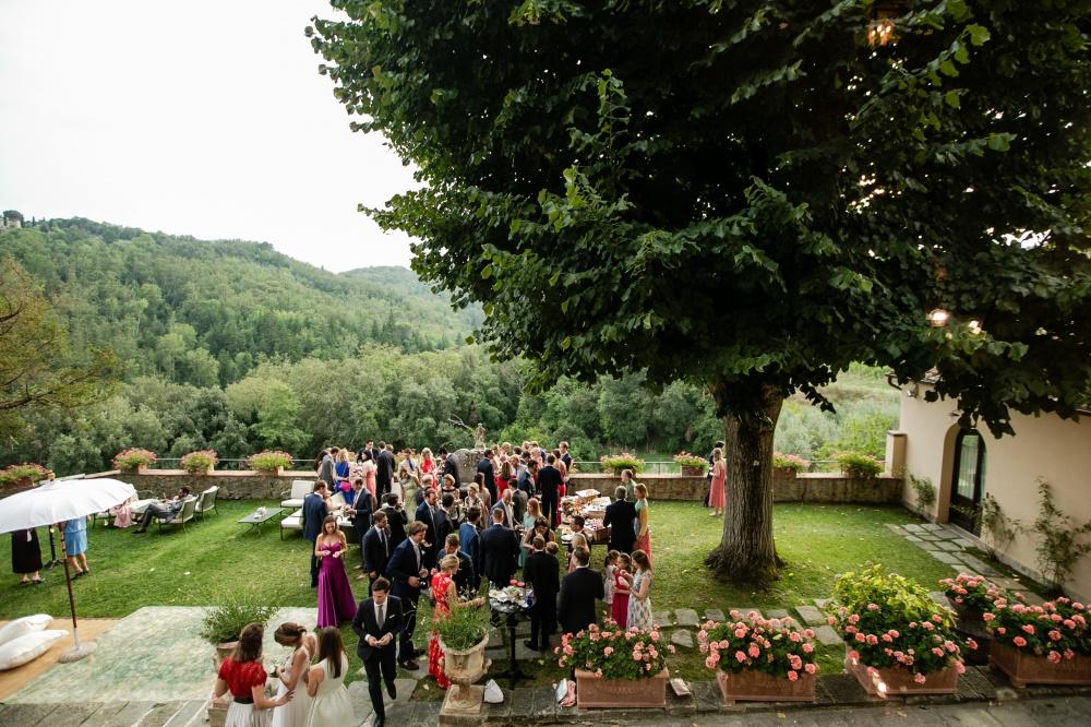 wedding cocktail in a villa in siena