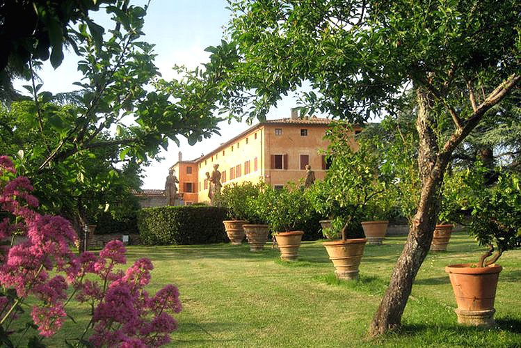 garden for wedding in siena