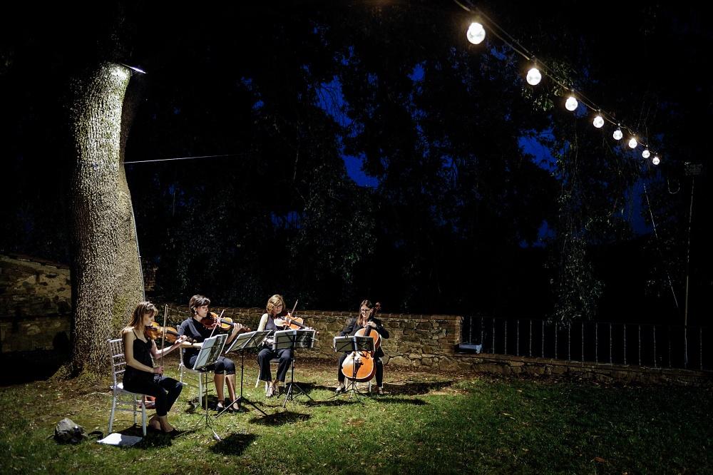 wedding musicians in a villa in siena