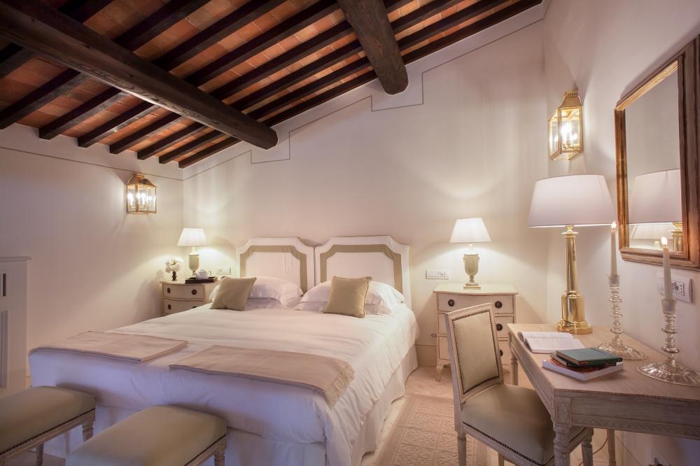 wedding villa with room in siena