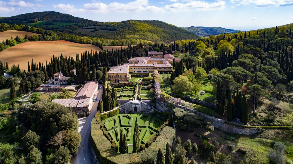 aerial view of a villa and its gardens for wedding ceremonies and receptions in tuscany
