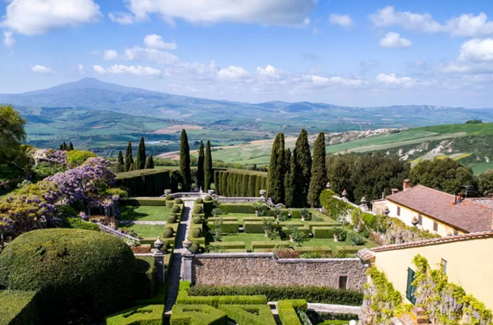 wedding villa in tuscany aerial view