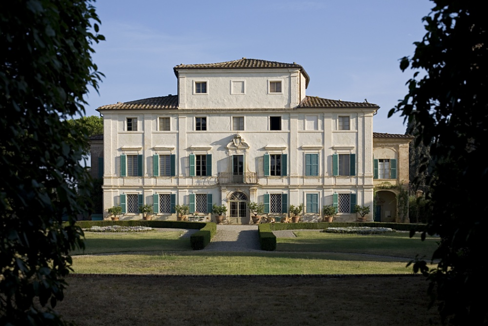 wedding villa in tuscany front view