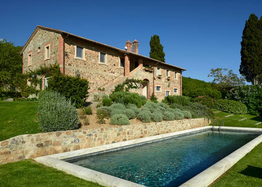 wedding villa with private pool in tuscany