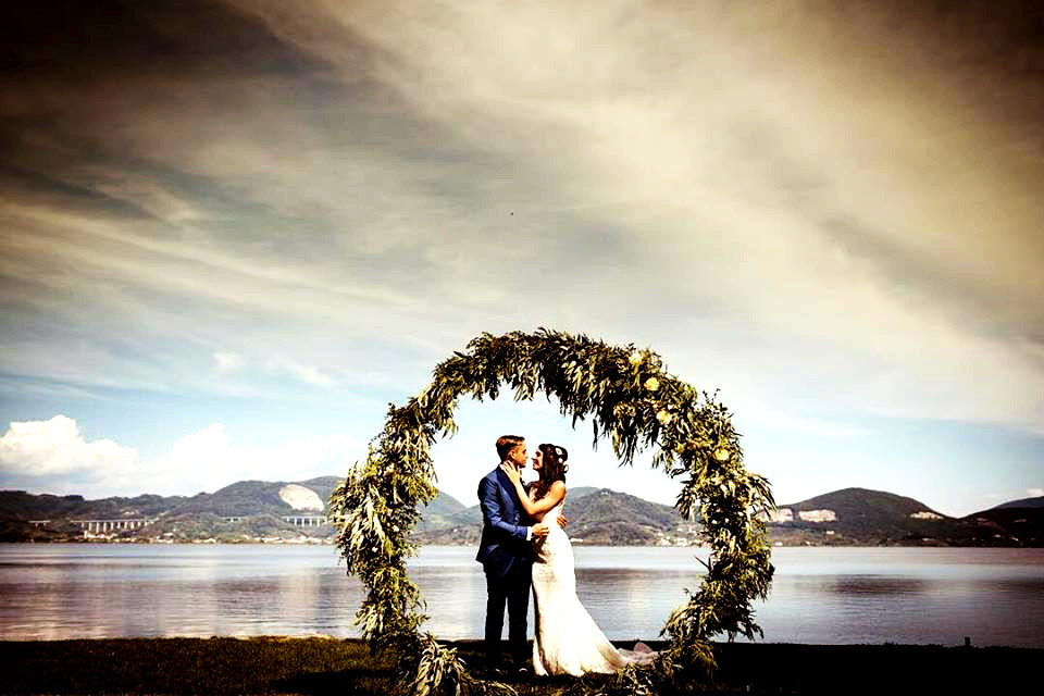 wedding shooting in a villa on the lake