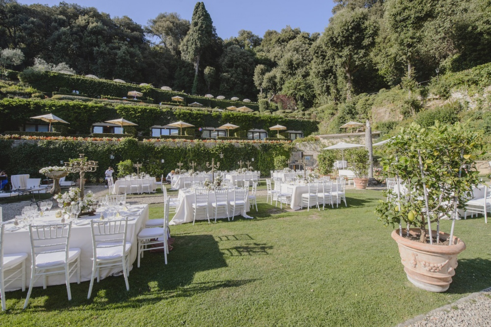wedding dinner in a villa with florence views