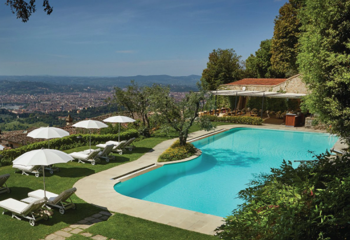 pool for wedding in a villa with florence view