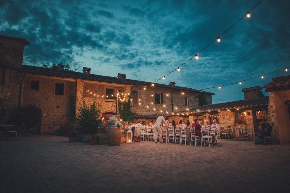 weddings in a tiny hamlet in tuscany